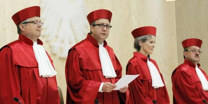 Une porte-parole de la Cour constitutionnelle allemande a indiqué que l'institution comptait toujours rendre le 12 septembre sa décision sur le mécanisme de secours européen MES, malgré le dépôt d'une nouvelle plainte. Ici, le 19 juin.