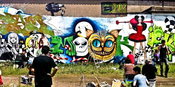 Un mur de graffitis à Saint-Pierre-des-Corps