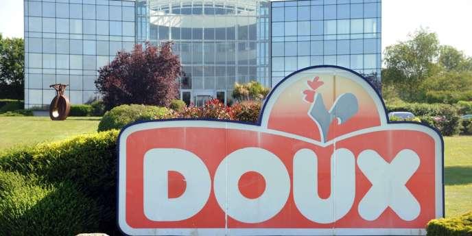 Détenu à 80 % par la famille éponyme, le groupe Doux emploie 3 400 personnes en France, essentiellement en Bretagne mais aussi dans le Centre, les Pays de la Loire et le Pas-de-Calais.