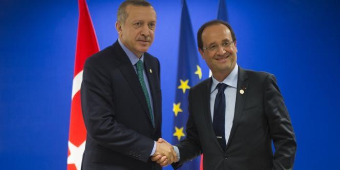 Le président français François Hollande et le premier ministre turc Recep Tayyip Erdogan en marge du sommet de Rio, le 20 juin 2012.
