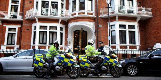 Julian Assange s'est réfugié mardi soir à l'ambassade d'Equateur à Londres.