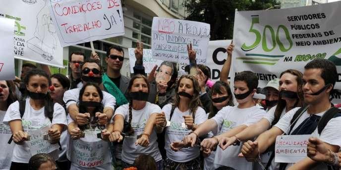Marche des militants écologistes en marge du sommet de Rio+20 mercredi 20 juin.