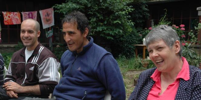 De gauche à droite : Frédéric, Sidi et Odile pendant le café philo.