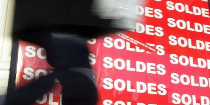 En 2013, l'Institut français de la mode prévoit une baisse des ventes de vêtements de 2 % dans l'Hexagone.