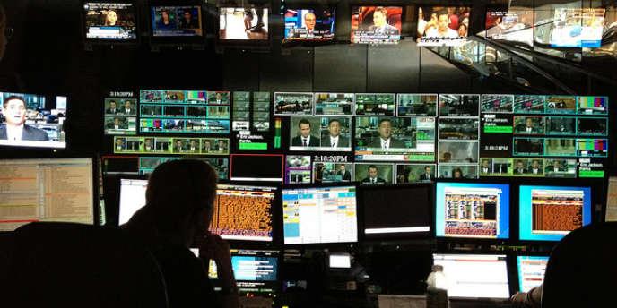 Groupe spécialisé dans les services aux professionnels des marchés financiers à l'origine, Bloomberg est connu grâce à son agence de presse ainsi que grâce à ses propres chaînes de télévision.