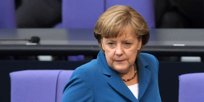 La chancelière allemande, Angela merkel, s'adresse aux députés du Bundestag, le 27 juin 2012.