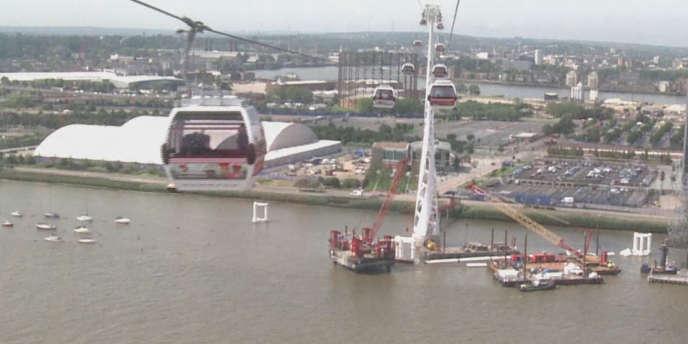 Un téléphérique urbain a été inauguré à Londres, jeudi 28 juin 2012.