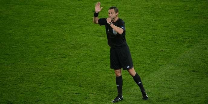 Stéphane Lannoy, ici durant l'Euro 2012, n'a pas été retenu pour la Coupe du monde au Brésil.