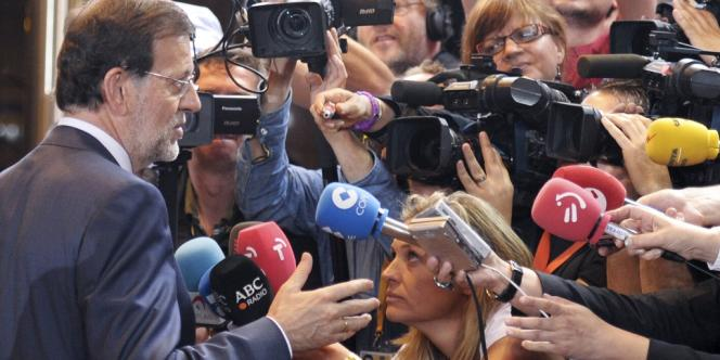 Le président du gouvernement espagnol, Mariano Rajoy, s'exprime devant la presse, vendredi 29 juin.