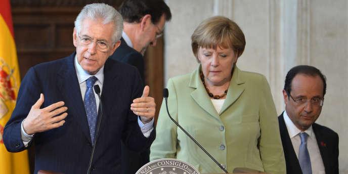 Le président du conseil italien Mario Monti, la chancellière allemande Angela Merkel et le président français François Hollande, à Rome, le 22 juin 2012.