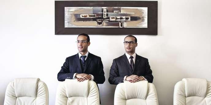 Haïba (à gauche) et Hamdi Ouaissi, 35 et 34 ans, avocats d'affaires.