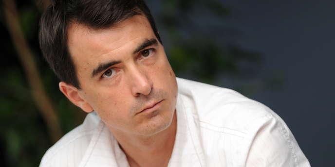 Olivier Ferrand, le président du Think Tank Terra Nova, qui venait d'être élu député PS de la huitième circonscription des Bouches-du-Rhône, est mort, samedi matin, à Velaux (Bouches-du-Rhône) d'un arrêt cardiaque à 42 ans.