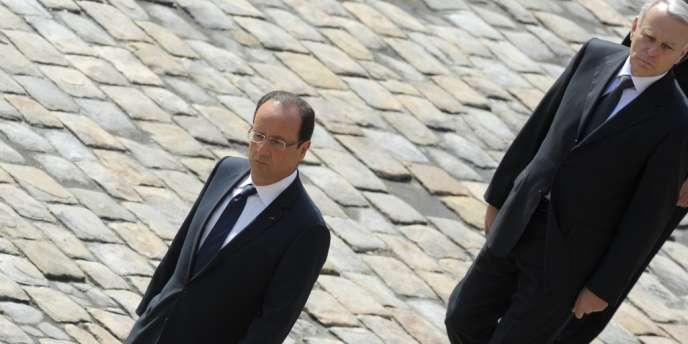 Seuls 36 % des Français font confiance au chef de l'Etat et 34 % au premier ministre, selon le baromètre de novembre de TNS Sofres-Sopra group.