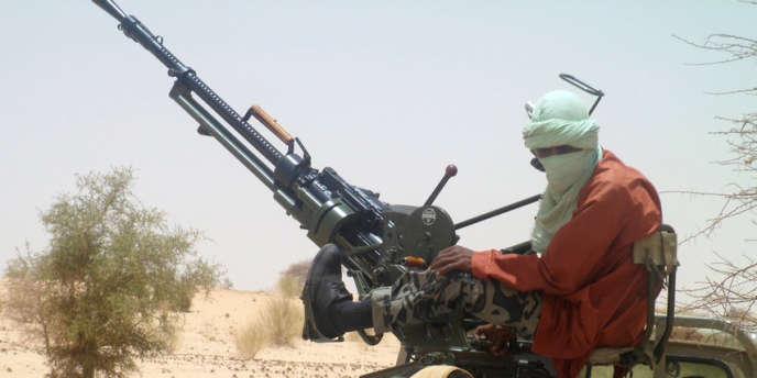 Des combattants d'Ansar Eddine, à proximité de Tombouctou, le 24 avril 2012.