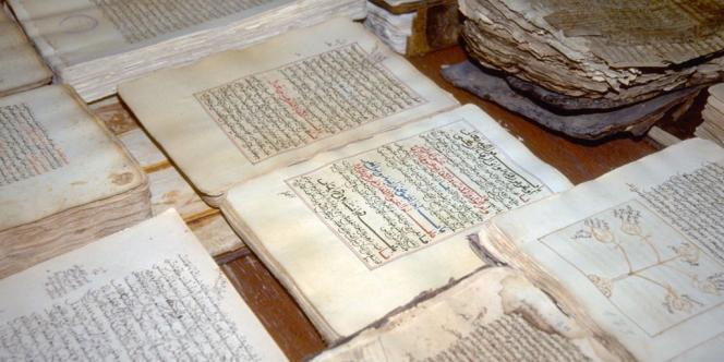 Des manuscrits dans une bibliothèque de Tombouctou, le 1er juillet 2012.