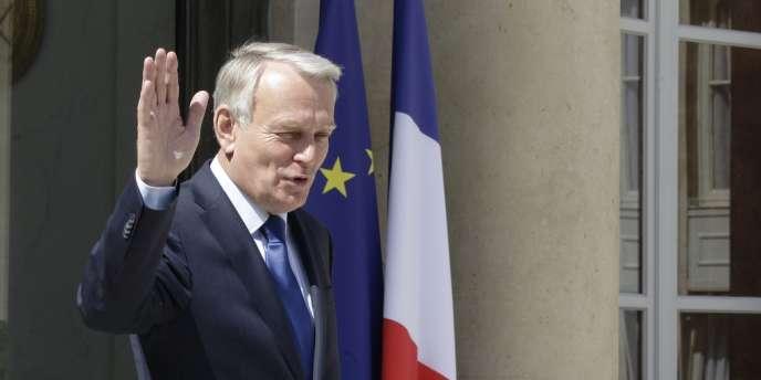 Le premier ministre Jean-Marc Ayrault quittant l'Elysée, le 22 juin.