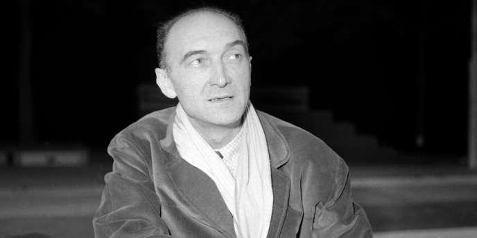 Portrait de Jean Vilar, fondateur du Festival d'Avignon, en novembre 1958.