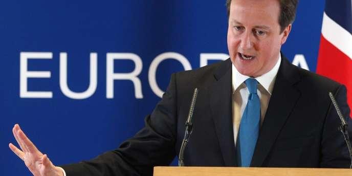 Le premier ministre britannique David Cameron lors d'une conférence de presse faisant suite au sommet européen à Bruxelles, lundi 2 juillet.
