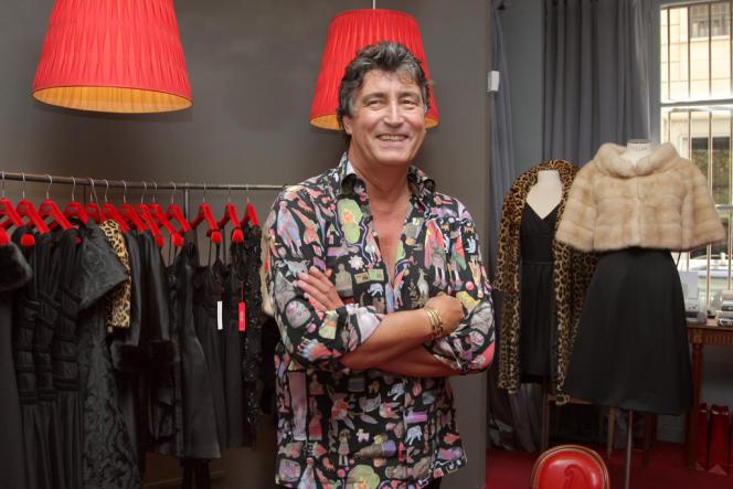 Didier Ludot est le propriétaire de plusieurs boutiques spécialisées dans la haute couture vintage.