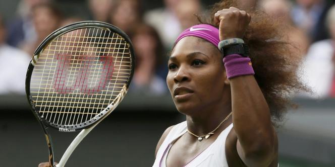 L'américaine Serena Williams, après avoir vaincu la polonaise Agnieszka Radwanska en finale à Wimbledon, samedi 7 juillet.