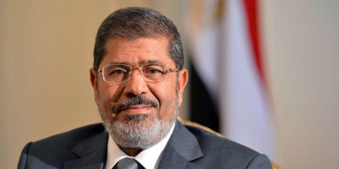 Mohamed Morsi a annulé, dimanche, la décision de la Haute Cour constitutionnelle, selon l'agence MENA.