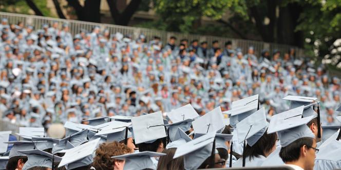 L'ensemble des prêts étudiants a représenté l'an dernier plus de 1 000 milliards de dollars, soit une moyenne de 25 000 dollars par étudiant. Ici, la remise des diplômes à l'université de Columbia, à New York.