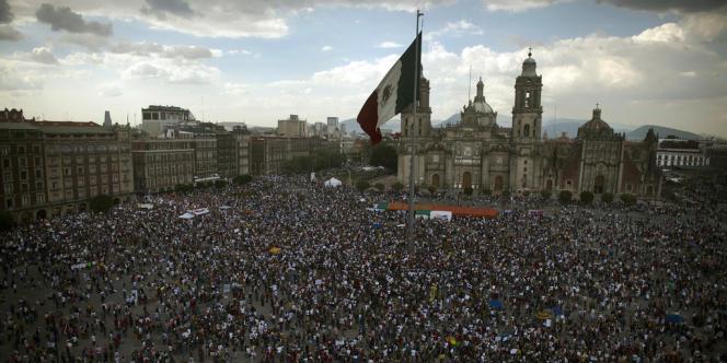 18 000 personnes ont manifesté samedi à Mexico, pour protester contre l'élection de Enrique Pena Nieto