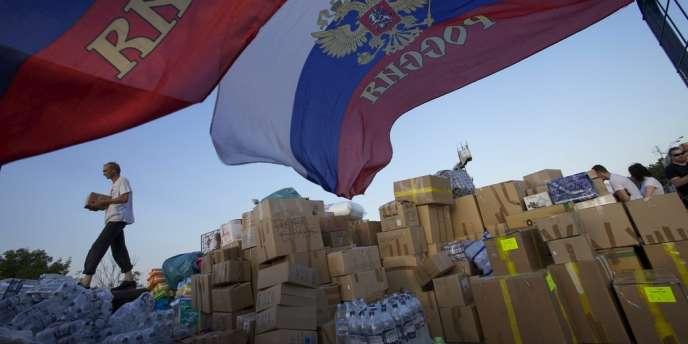 Des provisions de nourriture sont prêtes à être envoyées à Krymsk, une petite ville à 1 200 kilomètres au sud de Moscou.