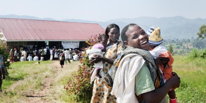 Au centre de santé provisoire de Kanungu, à 400 kilomètres à l'ouest de Kampala, la capitale de l'Ouganda, le 20 juin.