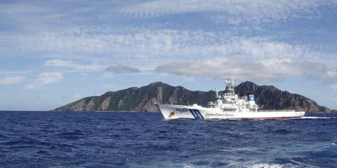 Un garde-côte nippon patrouille près des îles Senkaku, le 7 juillet 2012.