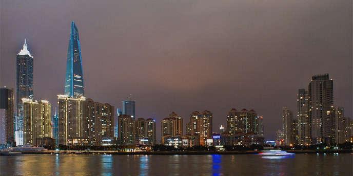 La famille de Shen Yong avait été expulsée en 2008 de son logement à Pudong, un quartier de Shanghaï en pleine expansion (Shanghaï: Pudong et le fleuve Huangpu).