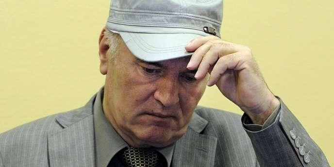 Ratko Mladic lors de sa première apparition devant le Tribunal pénal international pour l'ex-Yougoslavie de La Haye, le 3 juin 2011.