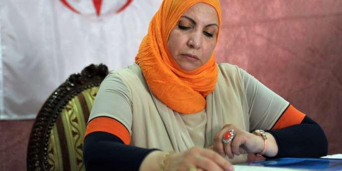 L'avocate du père de Mohamed Merah, Zahia Mokhtari, lors d'une conférence de presse à l'aéroport d'Alger le 12 juillet.