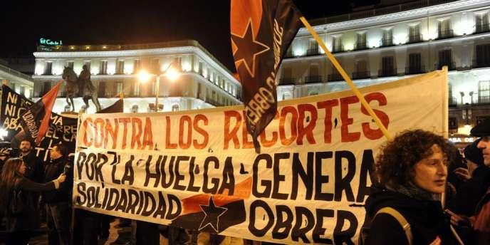 Pour protester contre le plan d'austérité imposé par le gouvernement espagnol, les Commissions ouvrières et l'Union générale des travailleurs ont appelé à manifester le 19 juillet 2012.