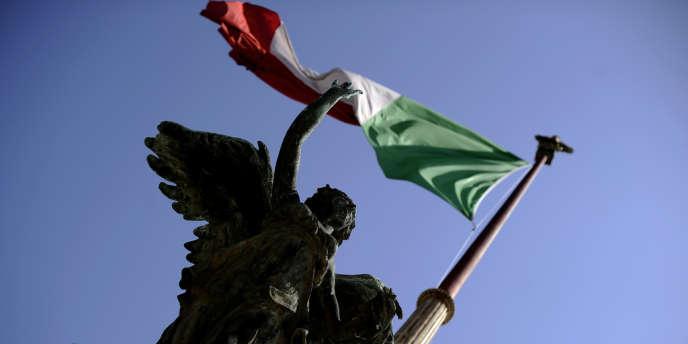 Le Parlement italien a voté mardi 7 août définitivement le décret-loi sur la révision des dépenses publiques, qui devrait permettre à l'Etat d'économiser plus de 26 milliards d'euros sur trois ans et d'éviter une nouvelle augmentation de deux points de la TVA en octobre.