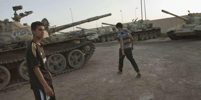 Les brigades de Zinten détiennent un véritable arsenal militaire, parmi lequel 257 chars et quantité de missiles.