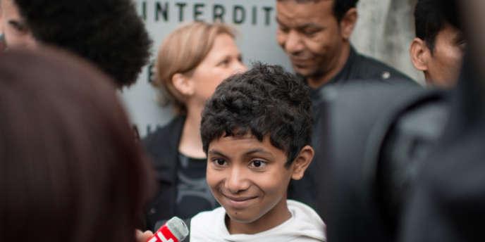 La situation du jeune garçon avait provoqué une certaine émotion, l'ex-premier ministre estimant que son cas méritait d'être