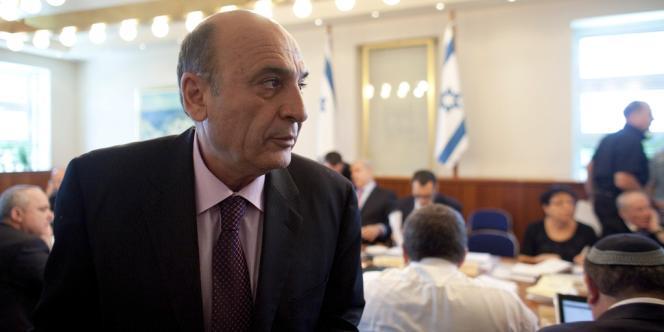 Kadima, parti dirigé par Shaul Mofaz, était entré au sein de la coalition début mai dans le but avoué de supprimer les exemptions religieuses au service militaire bénéficiant aux ultraorthodoxes.
