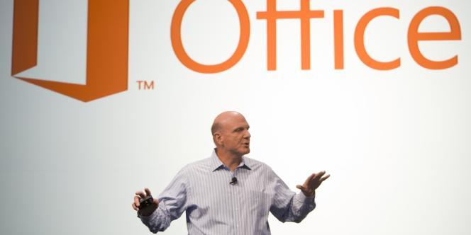 Steve Ballmer présente la nouvelle version d'Office, lundi 16 juillet, à San Francisco.