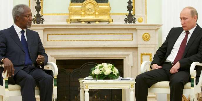 Kofi Annan, l'émissaire de l'ONU et de la Ligue arabe pour la Syrie, et le président russe, Vladimir Poutine, à Moscou, le 17 juillet.
