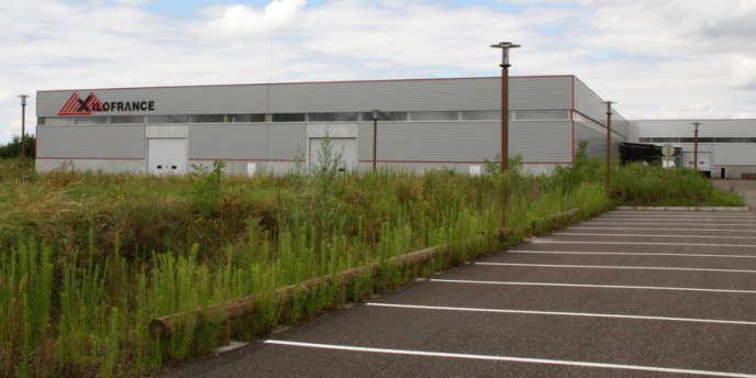 Xilofrance, usine de fabrication de contreplaqué, située à Damazan (Lot-et-Garonne).