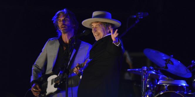 Bob Dylan sur scène au Hop Farm Music Festival dans le Kent (Grande-Bretagne), le 30 juin 2012.