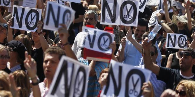 Aucune des dix-sept communautés autonomes espagnoles n'échappe à la crise. Ici, manifestation de fonctionnaires contre l'austérité à Madrid, le 20 juillet.
