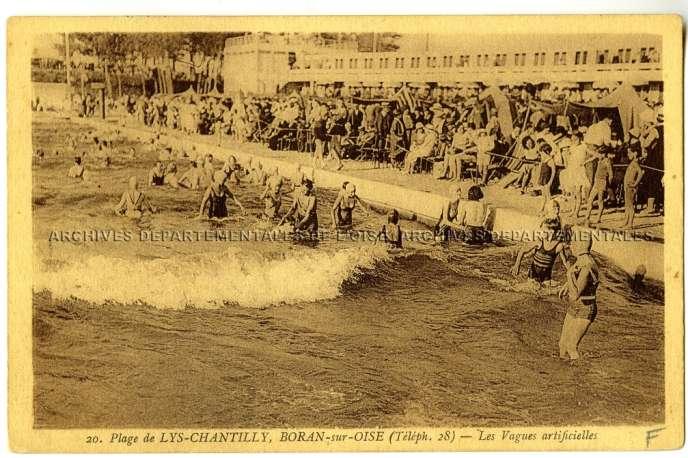 Les vagues artificielles attiraient les baigneurs à Boran-sur-Oise.