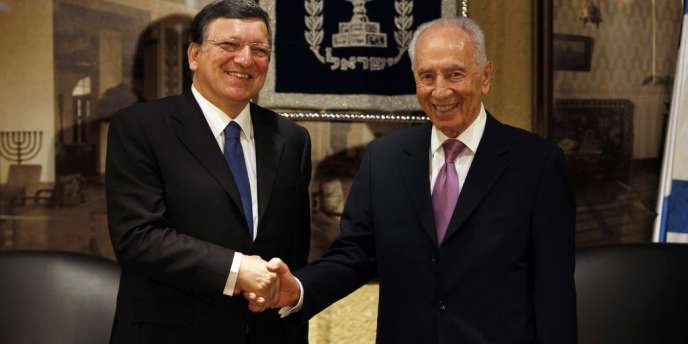 Le président de la Commission européenne José Manuel Barroso et le président israélien Shimon Pérès à Jérusalem, le 9 juillet.