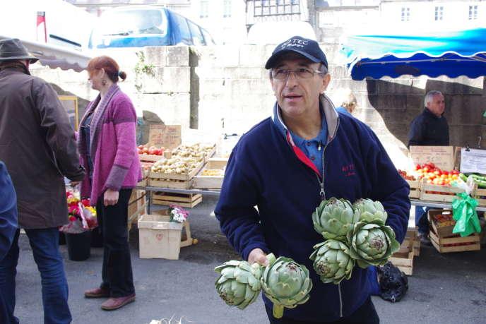 Au marché de Morlaix, le chef Patrick Jeffroy.