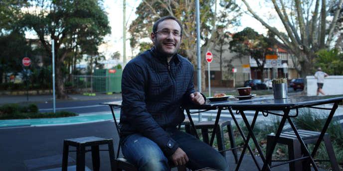 Aurelien Labonne sur la terrasse de la Bourke Street Bakery à Surry Hills, dans la banlieue de Sydney.  3 Juillet 2012.