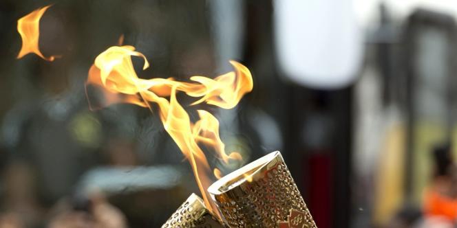 La torche olympique est sans doute l'une des créations de design les plus visibles du monde. Cette année, elle est le fruit du travail créatif de deux designers britanniques.