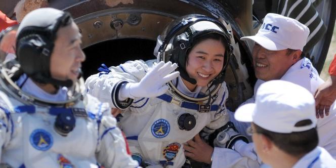 Liu Yang, première Chinoise dans l'espace, devait, selon les critères de sélection de Pékin, être mariée et avoir les dents blanches.