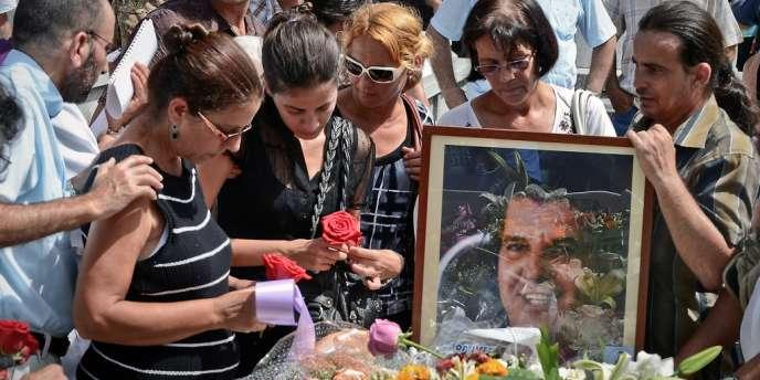 Quelque 200 personnes ont assisté aux obsèques d'Oswaldo Paya, mort dans un accident de voiture.